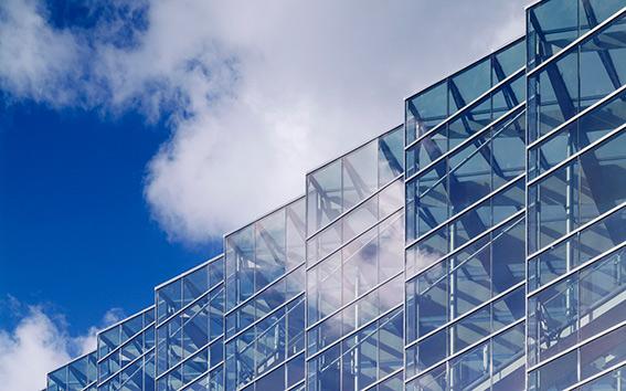 نمای شیشهای ساختمانها باید جمعآوری شود