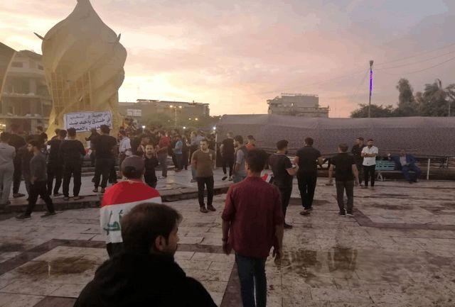 افرادی مقابل کنسولگری ایران در کربلا تجمع کردند