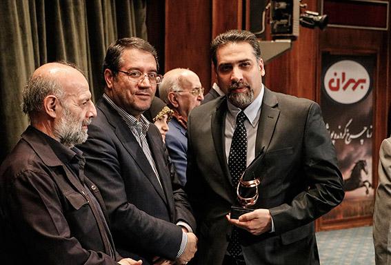 دریافت تندیس جشنواره حاتم (حمایت از تولید ملی) برگ زرین دیگری در ویترین افتخارات وین تک