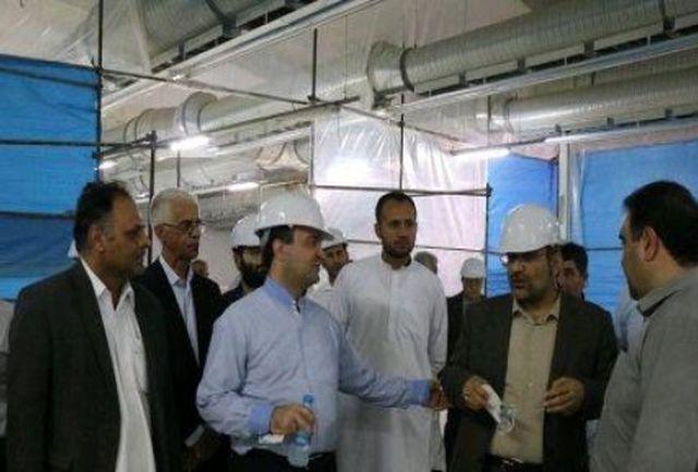 معاون وزیر صمت از کارخانه بافت بلوچ ایرانشهر بازدید کرد