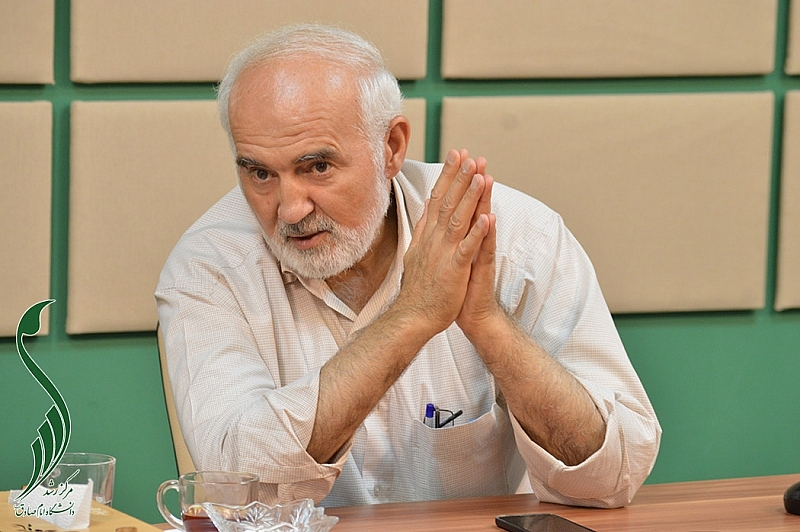 توکلی: گرایش اصلی دولت اصلاحات، لیبرال سرمایهداری بود/ مهمترین بحران در دولت هاشمی، اوج گرفتن چالش بدهیهای خارجی بود