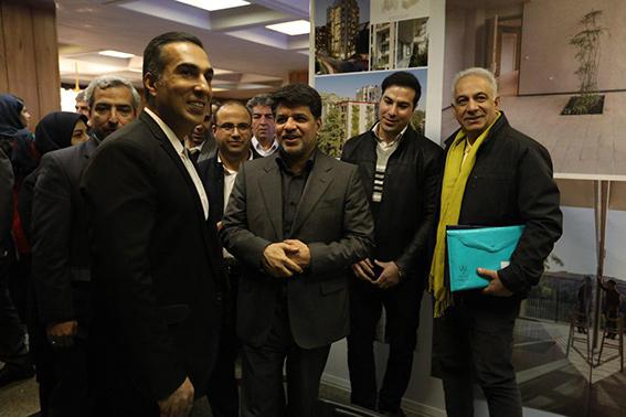 بازدید شهردار منطقه یک از نمایشگاه کمپین نما، هویت شهر ما