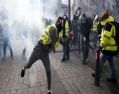 تداوم اعتراضات در فرانسه