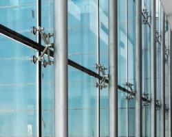 یراقآلات اسپایدر چه نقشی در نمای ساختمان دارد؟