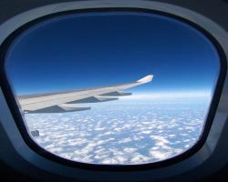 چرا پنجرههای هواپیما همیشه گرد هستند؟